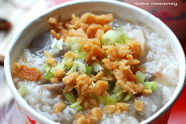 宜蘭美食~南方澳漁市米粉羹魚丸湯