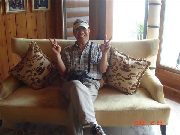 爸比坐高級椅