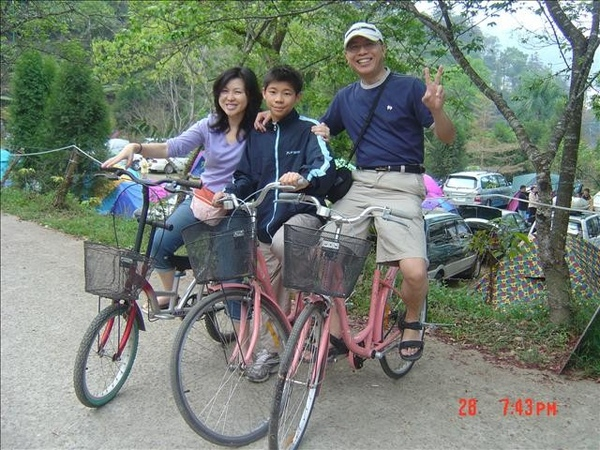 一大早沒太陽騎腳踏車真好