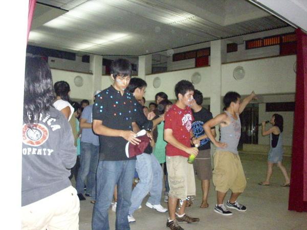 曾文活動中心跳熱舞
