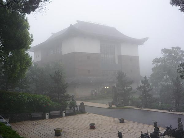 大雨後的祖師廟.JPG