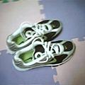 新鞋子上空照