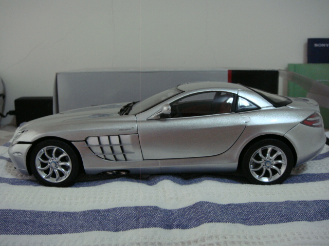 Mercedes-Benz SLR MCLAREN 6