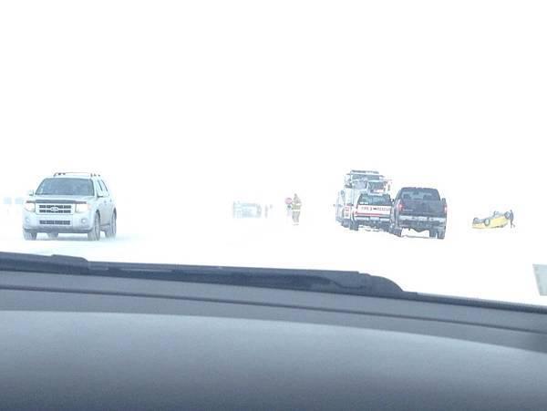 雪中交通事故