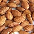 杏仁果 almond
