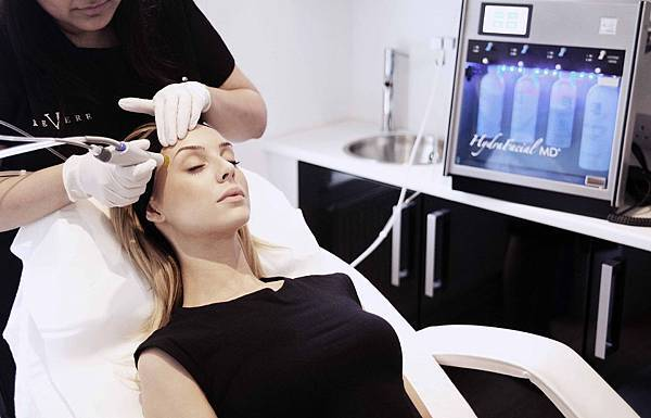 Hydrafacial-with-Heather1