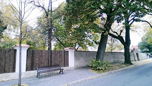 IMAG1965--人骨教堂附近街道.jpg