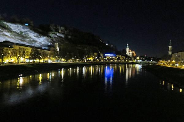薩爾茲河夜景 (5).JPG