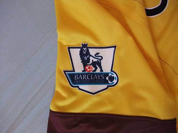 Arsenal 201011客場--英超章.JPG