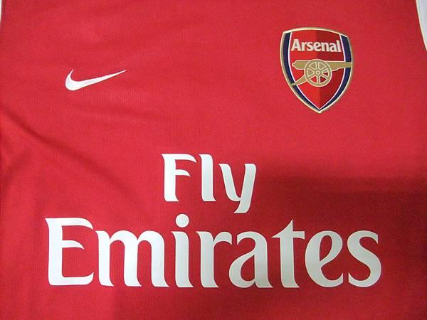 Arsenal 200608主場--胸前