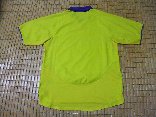 Arsenal 200304客場--背面.JPG