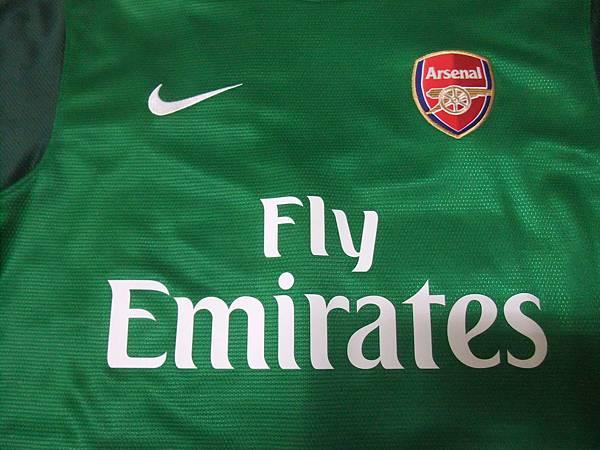 Arsenal 201213 GK--胸前.JPG