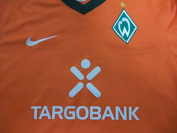 Werder Bremen 2009-10 3rd--胸前.JPG
