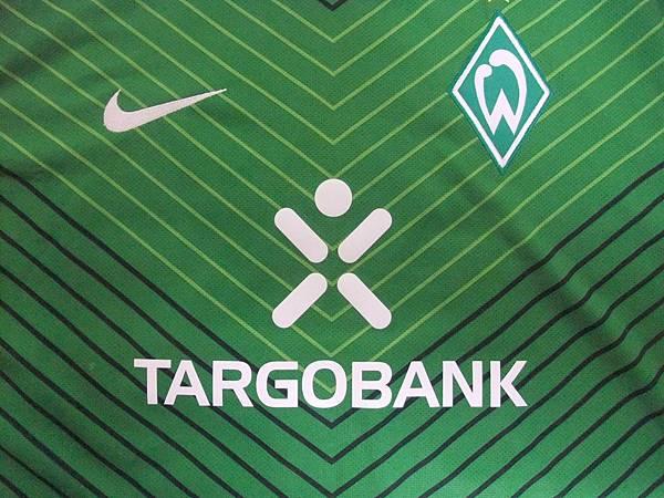 Werder Bremen 2011-12 Home--胸前.JPG