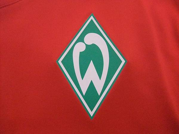 Werder Bremen 2011-12 球員版Pre-Match Training--隊徽.JPG