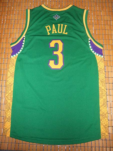 New Orleans Hornets 200911狂歡節 - 背面.JPG