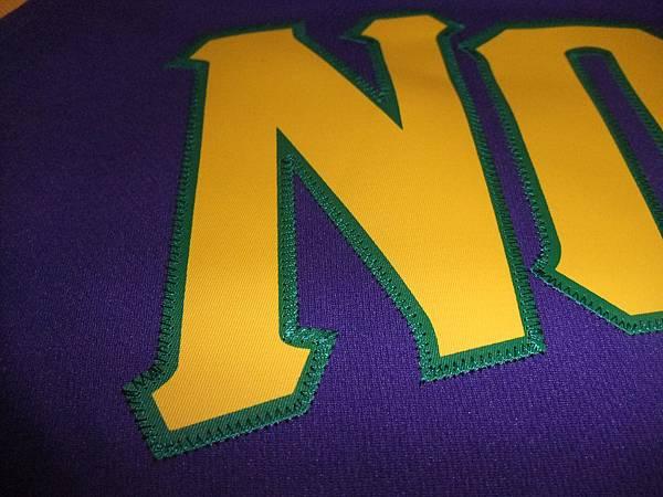 New Orleans Hornets 200911狂歡節 - 電繡1.JPG