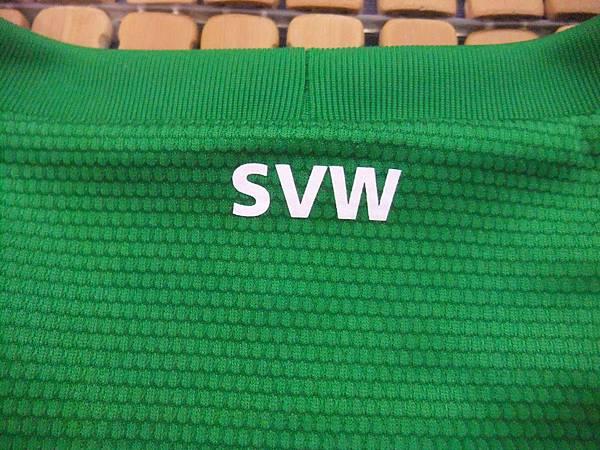 Werder Bremen 2012-13 Home--後領.JPG