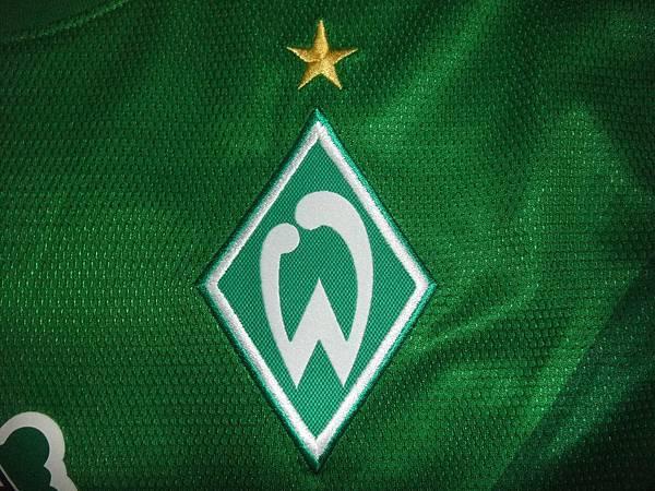 Werder Bremen 2012-13 Home--隊徽.JPG