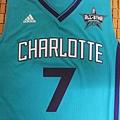 Charlotte Hornets 201516 (青)--胸前.JPG