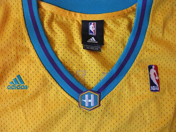 NO Hornets 200208(ALT)--衣領.JPG