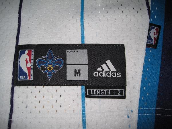 2009 NO Hornets主場--Size M.JPG