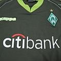 Werder Bremen 2007-08第二客場--胸前Mark.JPG