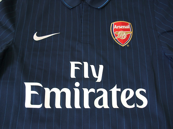 Arsenal 200910客場----胸前.JPG