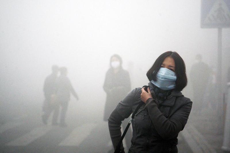 紫爆了, 空氣污染, PM2.5, 懸浮微粒, 女性肺癌, 肌膚敏感, 清潔肌膚, 經皮毒, 綠果報導, 老化問題, 肺腺癌, 肺癌, 口罩, 防曬, 呼吸困難, 咳嗽, 壽命短