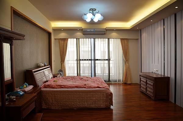 高雄室內設計--主臥室1.jpg