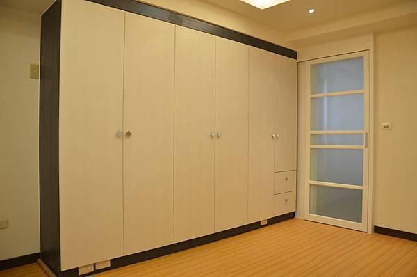 高雄室內設計-三民區尊峰李公館 11房間
