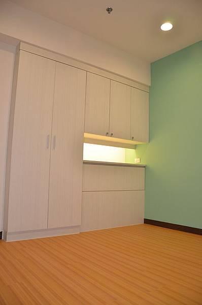 高雄室內設計-三民區尊峰李公館 12房間
