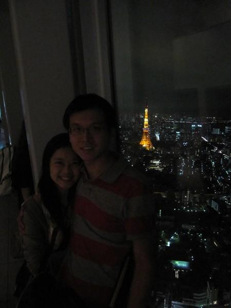 有個好心的漂亮的日本妹幫我們拍的