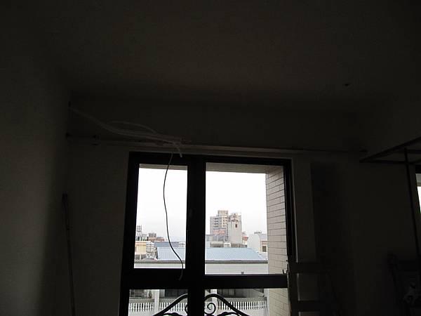 書房上方冷氣管線