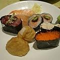 綜合壽司(7種9個) 130元