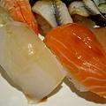 花枝+鮭魚 壽司