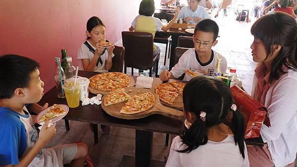 一眼就看出最受孩子們歡迎的是哪個Pizza