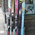 班夫鎮販賣各式滑雪用具的小店