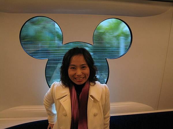迪士尼列車4.JPG