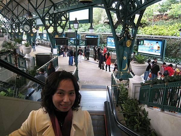 迪士尼站.JPG