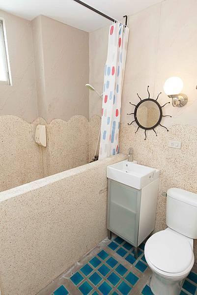 小花公寓-四人房廁所2