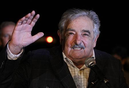 José Mujica-Juan Karita-12032010-AP