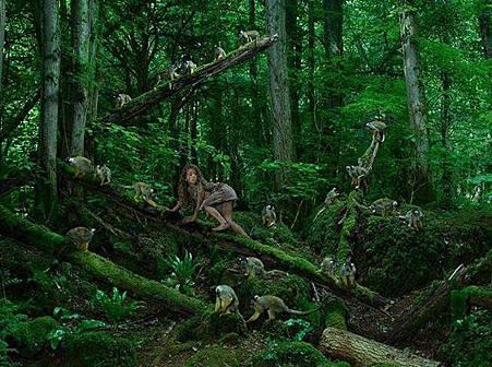 「女版泰山」四歲遭綁匪遺棄在森林裡,被猴子養大15