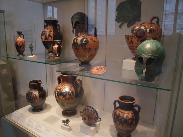 希臘羅馬區走的是精緻雕刻藝術風