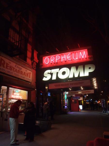 極力推薦的Stomp Show 詼諧優異互動加聲光效果不在話下