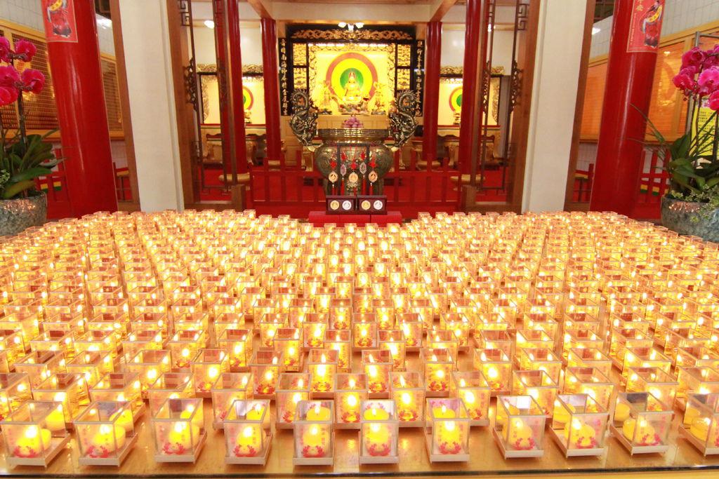 觀世音聖誔燃燈供佛
