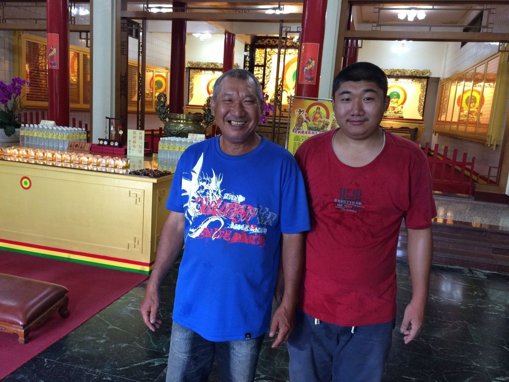 楊武先(左)與兒子.jpg