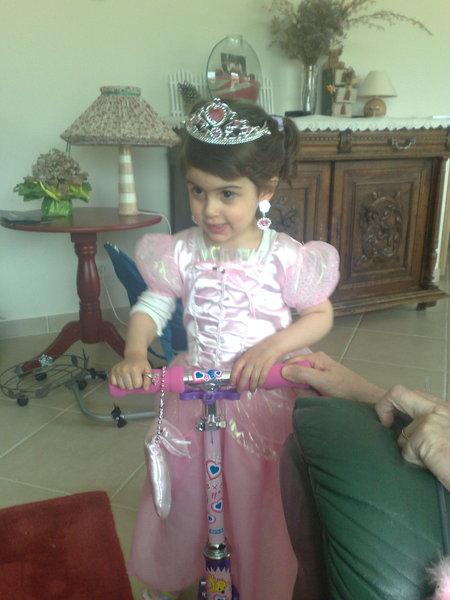 騎腳踏車的公主