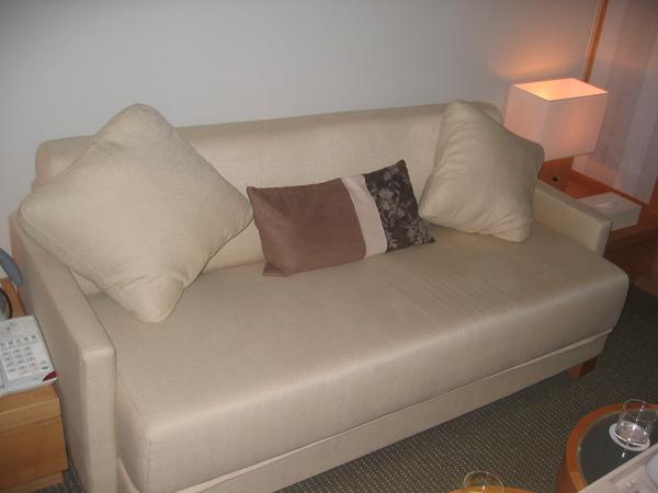 其實這是一張沙發床