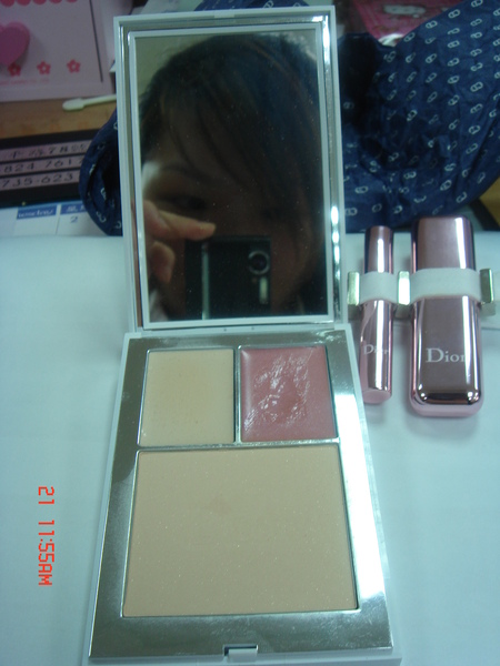 DIOR 俏女郎迷妝盤-紫羅蘭限定版 有HIGH LIGHT、唇蜜、蜜粉
